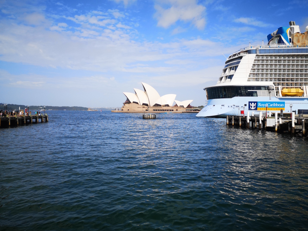 Fig. 2. Sydney mooring dolphin in operation. This photo again of Circular Quay was taken in January 2019. The ship secured to the dolphin is the oversize Royal Caribbean International's Ovation of the Seas (348m, 4500 pax). This ship is referred to frequently in the evidence.
